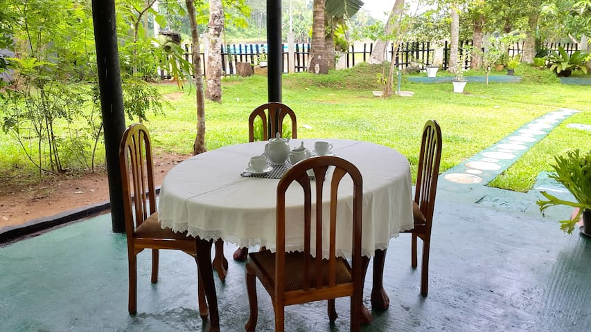 Double Room Apartment with Kitchen - Baddegama - Daire