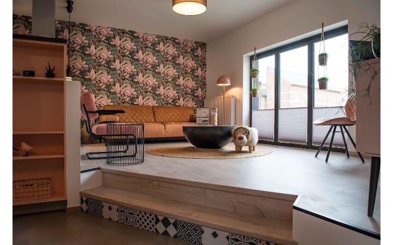 1 o'Clock  gelijkvloers appartement +terras
