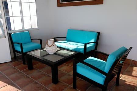 Chalet con piscina ,wifi, barbacoa Playa a 10km - Chiclana de la Frontera - House