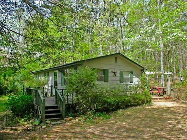 Dawgwood Cabin