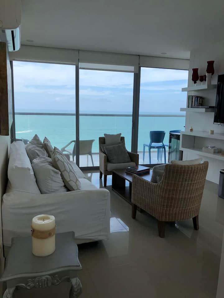 Hermoso apartamento con vista al mar.