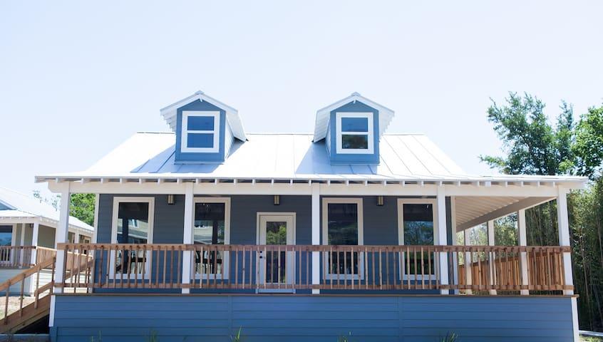 Haven River Inn Bluebonnet Cottage