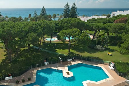 BEACHFRONT2,FREE WIFI/PARKING/SATTV,3 Pools,OFFERS