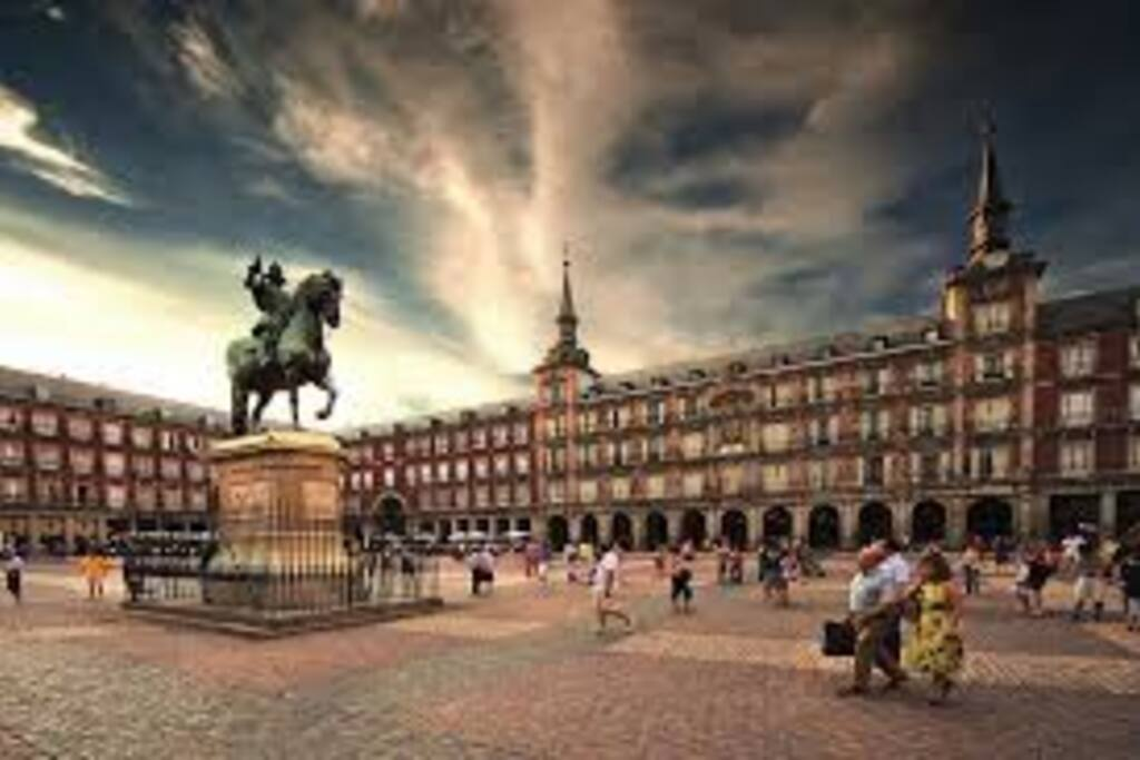 Plaza Mayor at 10 min  by walk