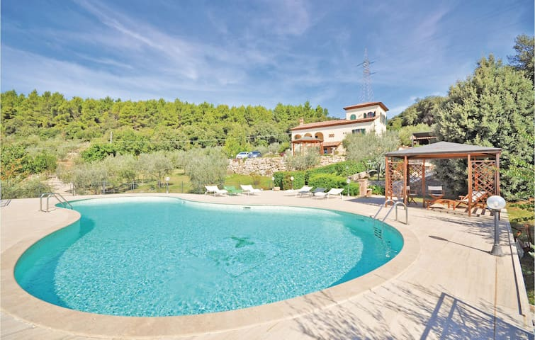 Holiday cottage with 5 bedrooms on 275 m² in Guardea TR