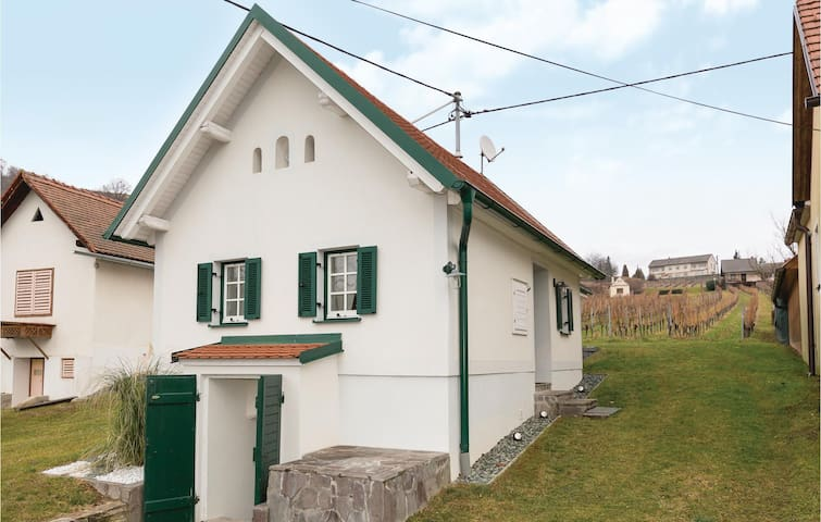 Holiday cottage with 1 bedroom on 52 m²