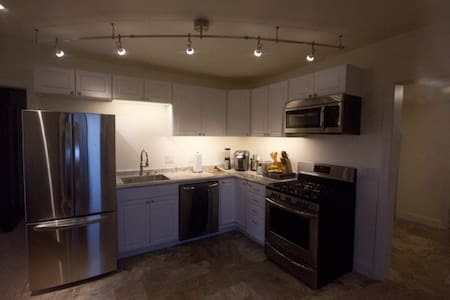 Turnkey House - just bring your clothes - Watford City - Haus