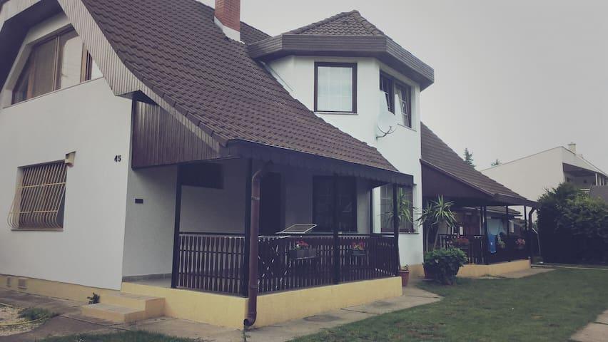 gabor aron apartament - Balatonszárszó - Rumah