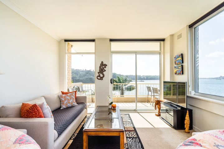 Modern WATERFRONT Apartment with STUNNING MILLION $$ VIEWS