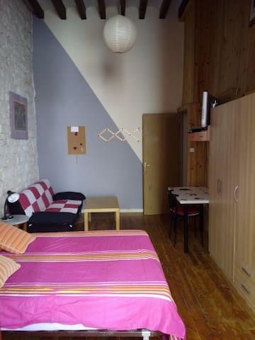 Habitación doble con balcón en Casco Antiguo