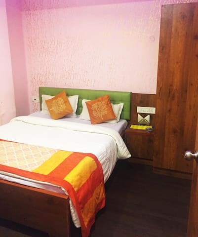Bed and Breakfast in Dum Dum, with WiFi and AC! - Calcutá
