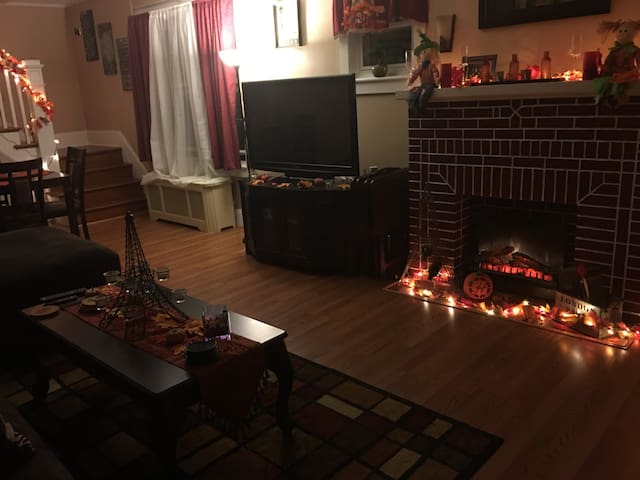 Cozy & friendly in the west end. - Allentown - House