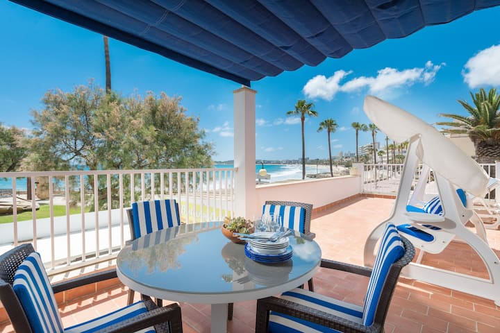 CASA DEL MAR - Great house on the seafront and a few meters from the beach Free WiFi