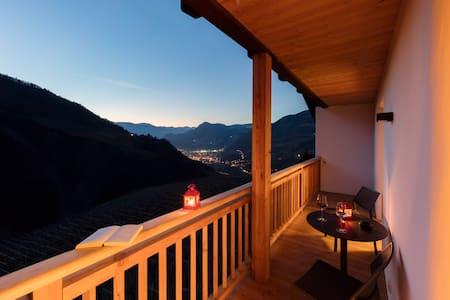 Neues gemütliches Apartment auf dem Weinhof - Karneid - อพาร์ทเมนท์