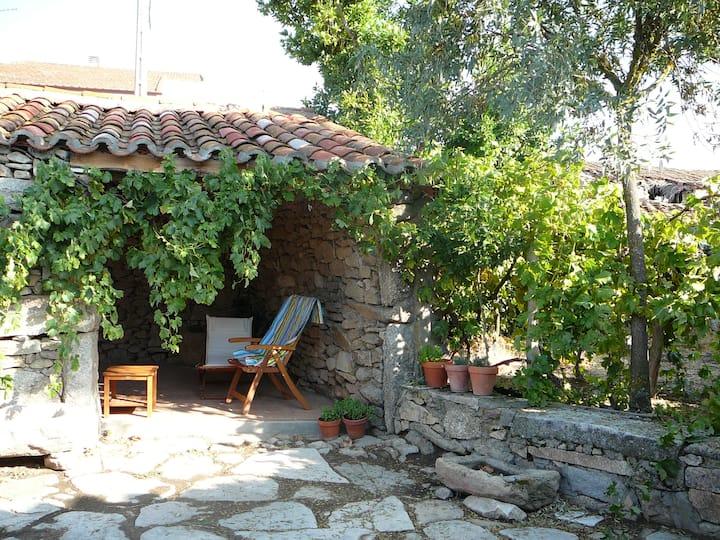 Casa Martín en la Muga, entorno rural original