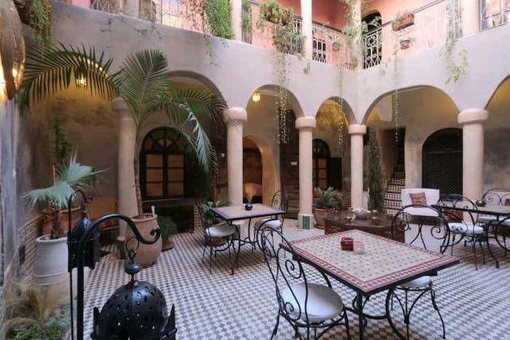 Lovely Riad  Médina - Marrakech Wifi - Marrakech - Hus