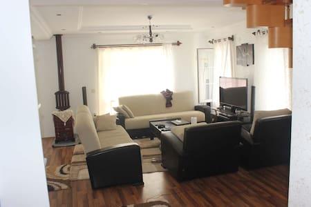 inanilmaz guzel bir villa F&J SAFARI - Yazır Köyü - Lejlighed