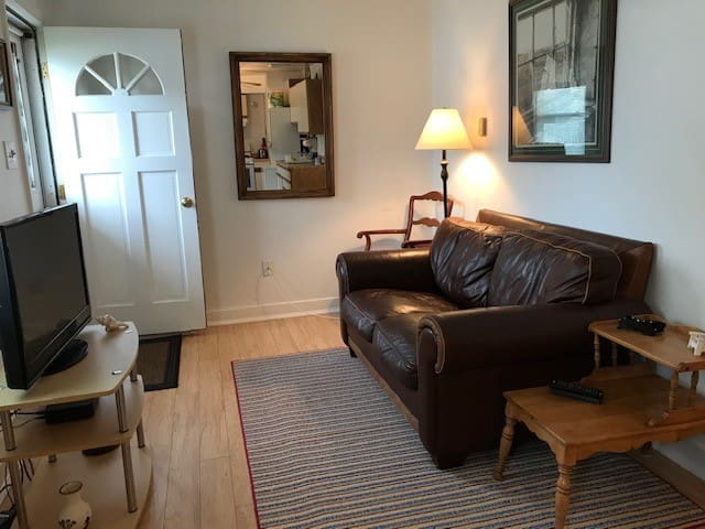 Cottage B at Beach w 2 bedrooms