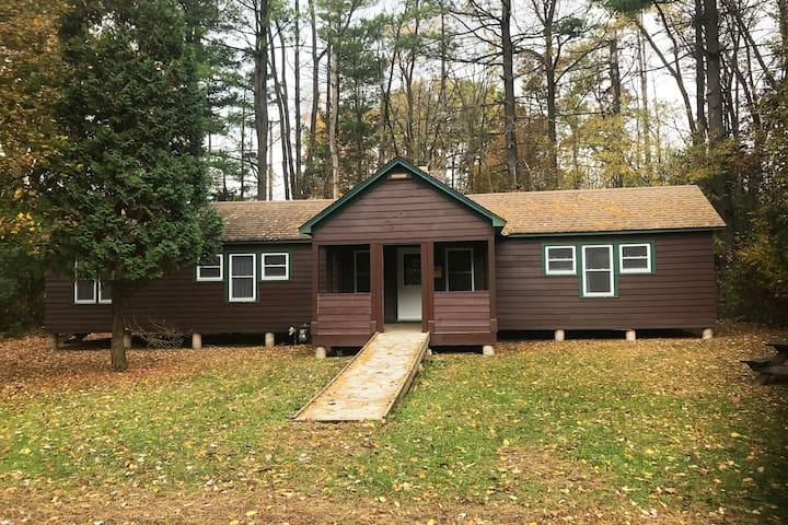 Summer Camp Cabin at Camp Whitcomb/Mason - Aquila