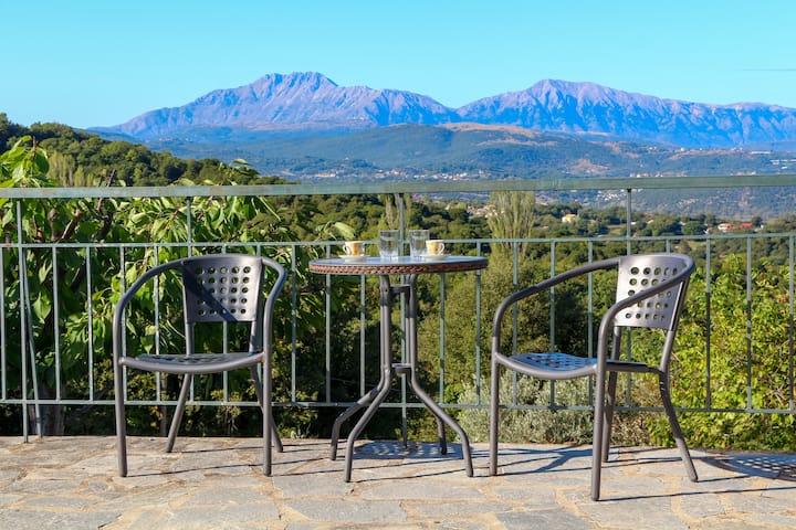 Breathtaking lake view home near Ioannina