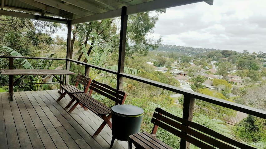 Cozy Treehouse in North Narrabeen - North Narrabeen - Talo