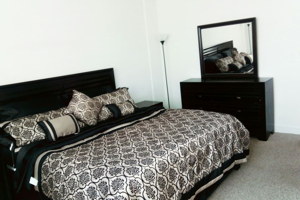Private Master Bedroom Wifi Pool And Gym Apartments For Rent In North Bay Village Florida