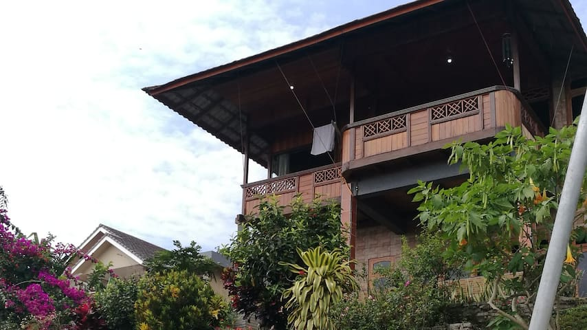 Mount Hill Villa Puncak Dua