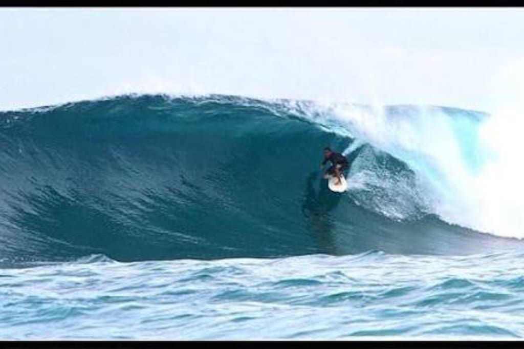 Surfing is available in Dharavandhoo