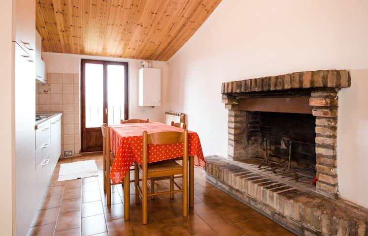 Casa Matilde Dove si tuffa il Sole - Urbino - Casa