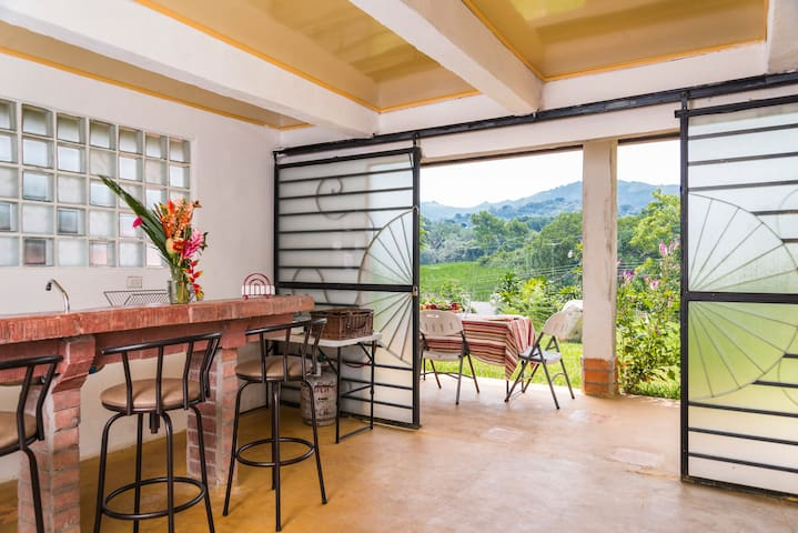 """Mundicia"", furnished cottage - San Miguel"