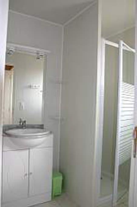 Salle d'eau, WC séparés