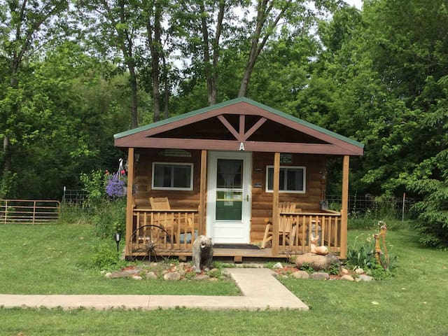 Spring Valley Bed & Bath Cabin A