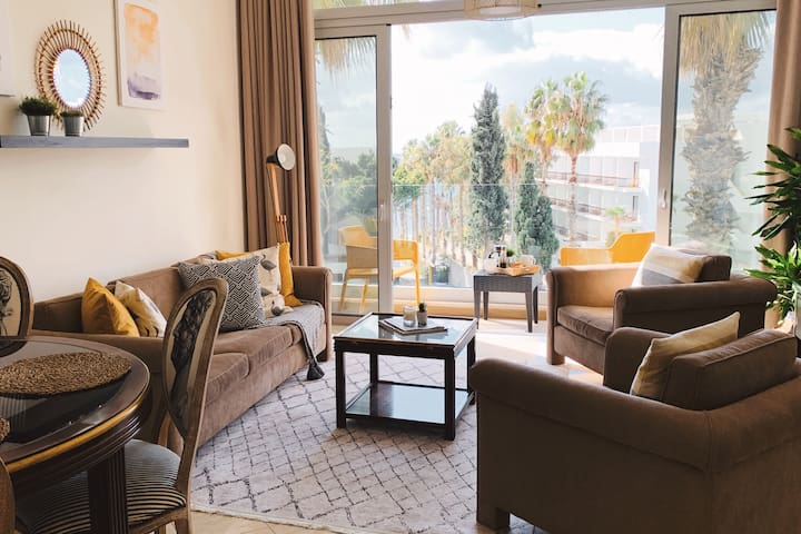 Poseidon's Luxury Apartments, near sea, free Wi-Fi
