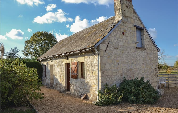 Holiday cottage with 1 bedroom on 56m² in St. Philbert du Peuple