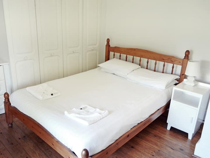 Double Room with Shared Bathroom - Garden Cottage