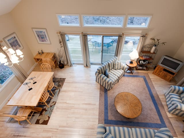 Connie`s Vacation Home - South Haven - Talo