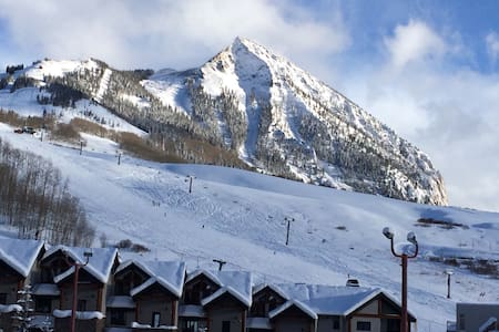 SlopeSide Luxury Condo 3/3- Gorgeous Views - Mount Crested Butte