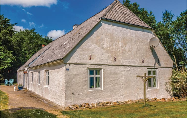 Former farm house with 3 bedrooms on 100m² in Hemmet