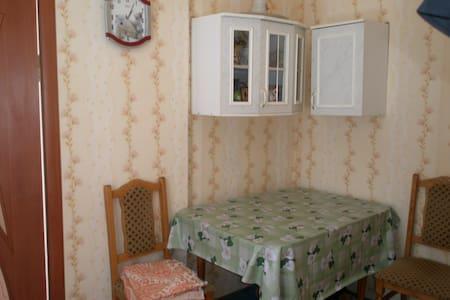 Квартира с мини-двориком в сердце Евпатории