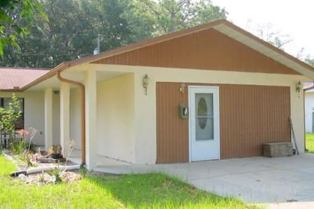 One bedroom Apt near Rainbow Springs St park - Dunnellon