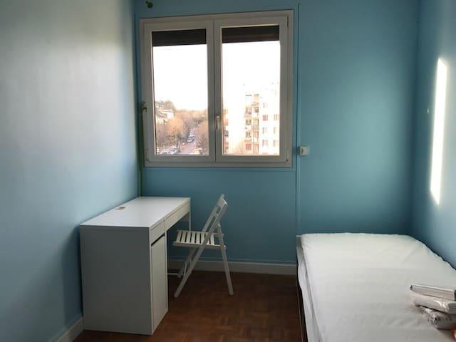 Chambre privée Antony-15' à Paris