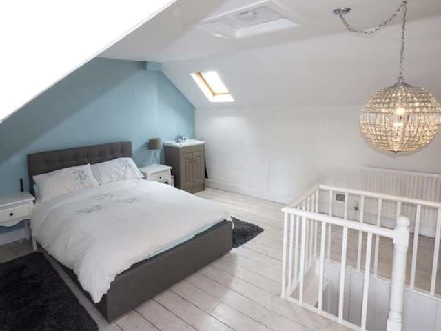 Cosy 3 bedroom Townhouse in the centre of Stamford - Stamford - Dom