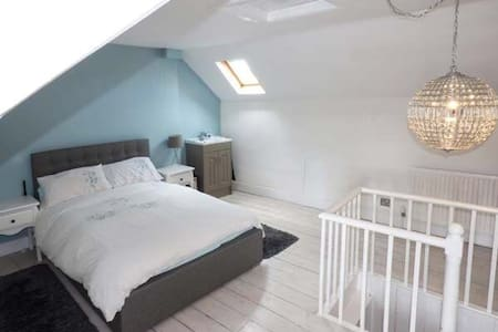 Cosy 3 bedroom Townhouse in the centre of Stamford