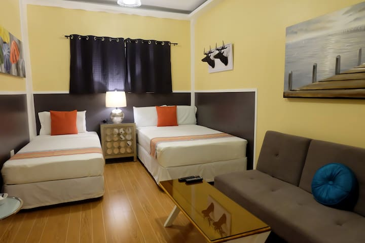 Rm. 7 - Close to Airport and Mall.