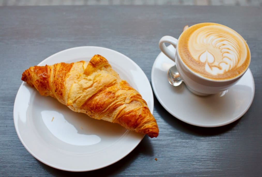 Enjoy cappuccino and fresh pastry at Agorà Bar for 3 euros :)
