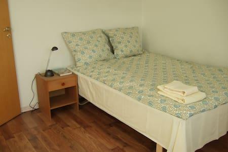 Overnatning i hyggelig lejlighed ca 70 m2 - Aabenraa - Bed & Breakfast