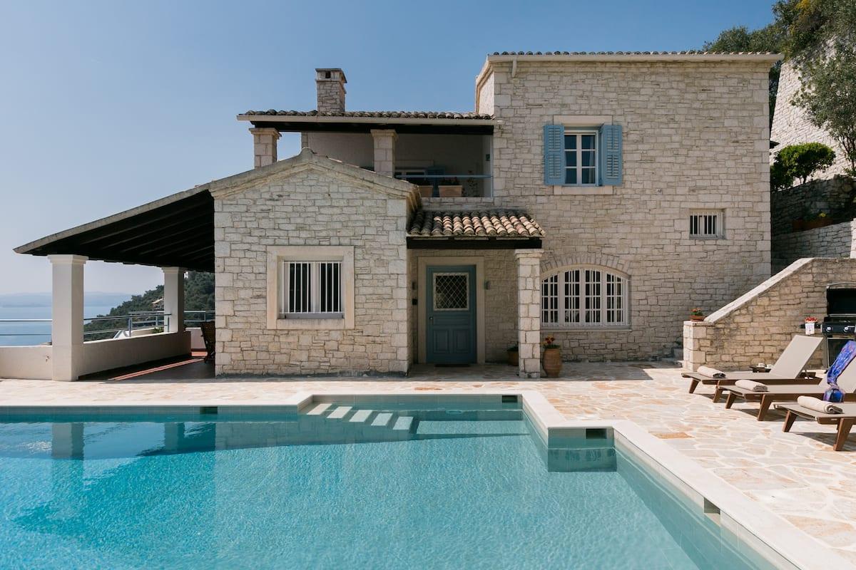 Sea Breeze Villa with Stunning Views in Nissaki