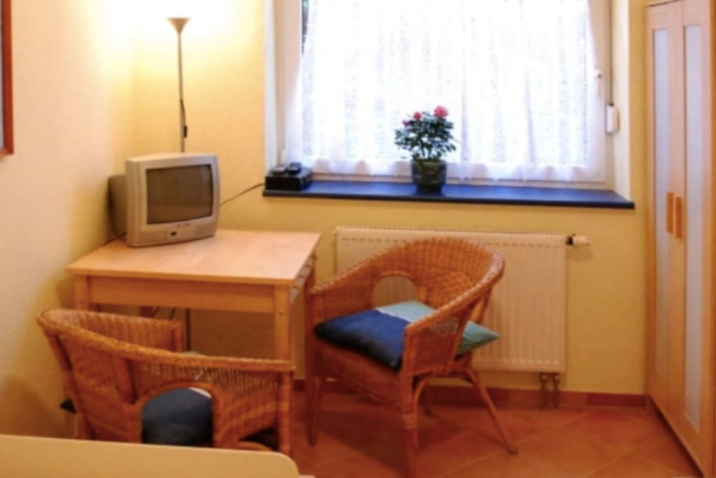 Homy single room with shared shower and toilet