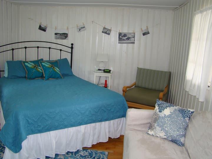 Lupine Room