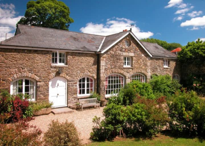 The Coach House with indoor pool, Burnville Farm